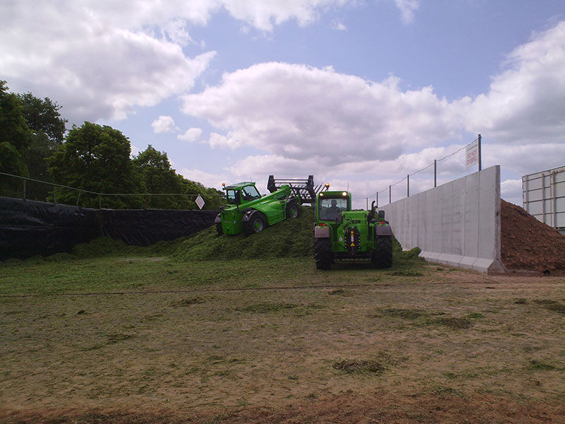Precast Concrete Free Standing Retainer Walls used to form walls in a Silage Pit