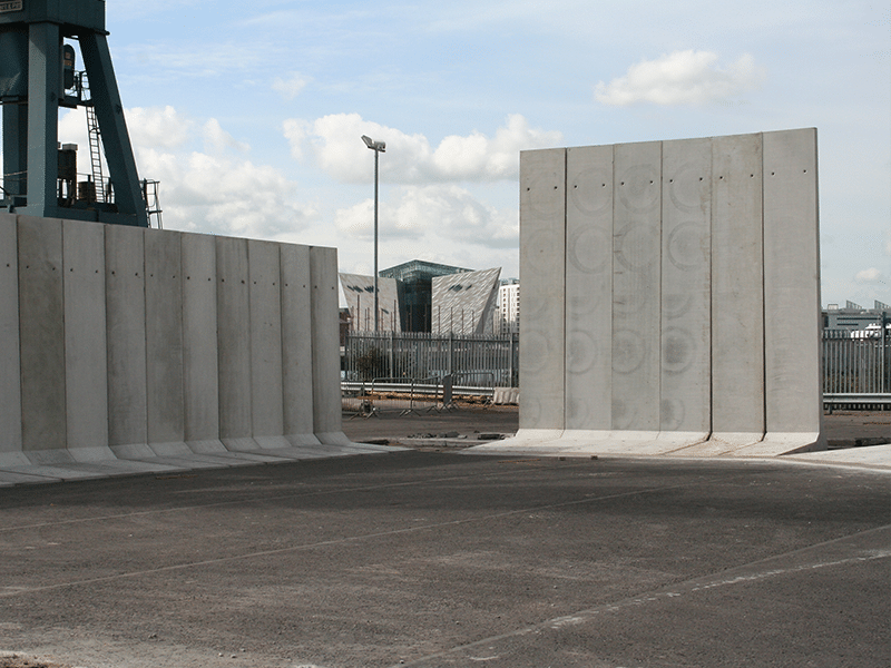5m and 6m high Free Standing Retainer Walls used to form storage bays at Harbour
