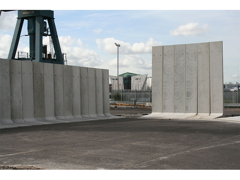 5m and 6m high Free Standing Retainer Walls used to form storage bays at Harbour 4