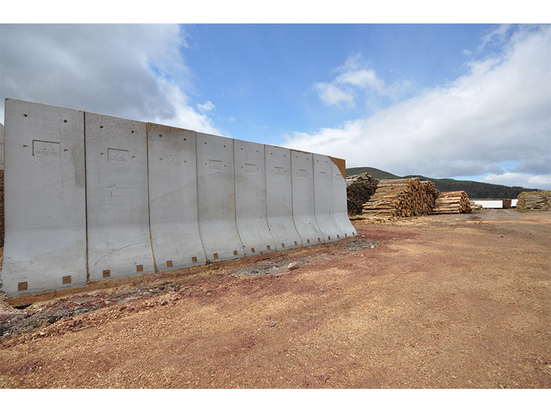 Concrete Bunker Retainer Walls used to store timber for biomass 6