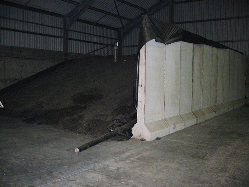 Free Standing Retainer ot 'L' Walls used to construct temporary storage area for seed in Fife
