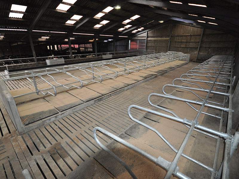 Precast Concrete Suspended Flooring Systems for Livestock - MJ